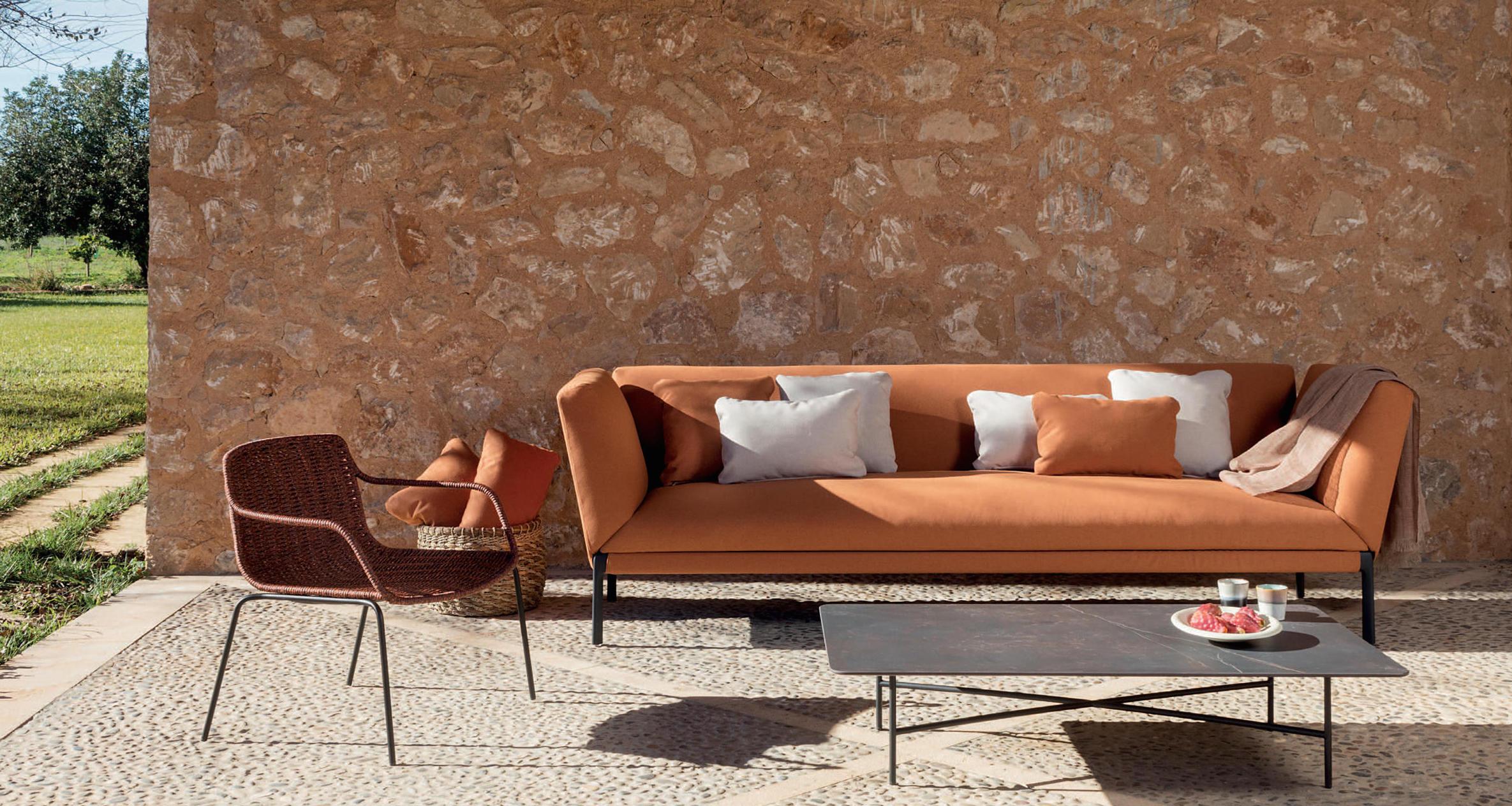 Outdoor Chairs: Livit XL Sofa