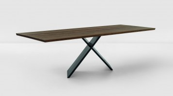 AX dining table