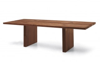 Celerina dining table in Walnut