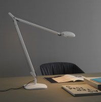 Volee desk lamp