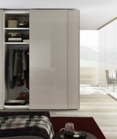 Jesse Icona Sliding Door in Tortora lacquer_close