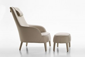 FEBO Bergere arm chair with stool in Leather